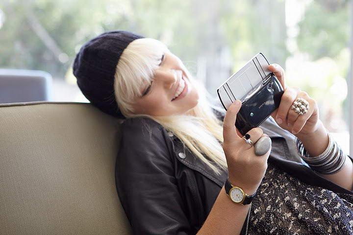 Sony Ericsson Xperia Play Back