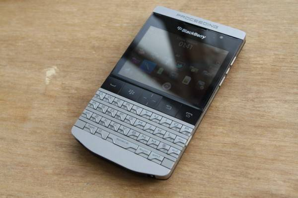 BlackBerry Knight 9980