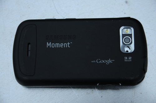 samsung_moment_back